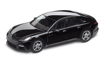 1:43 Model Car | Panamera 4 in Jet Black Metallic