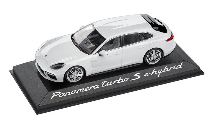 1:43 Model Car   Panamera Sport Turismo Turbo S E Hybrid in Carrara White Metallic