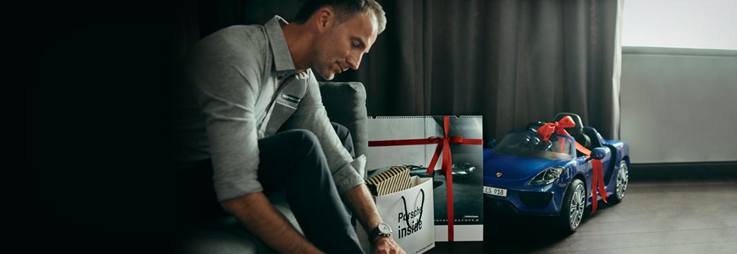 weihnachtsgeschenk idee porsche driver 39 s selection. Black Bedroom Furniture Sets. Home Design Ideas