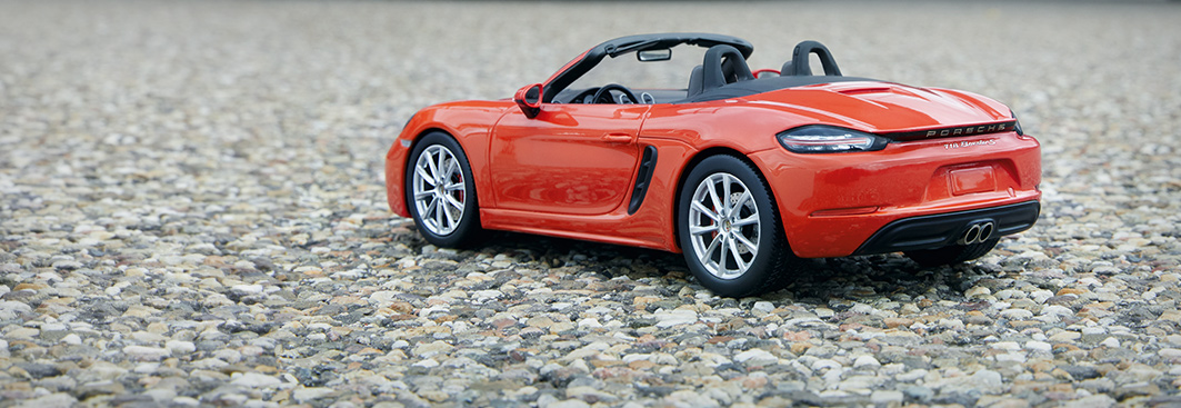 Model Cars - Limited Edition 1:18 Model Car | 718 Boxster in Lava Orange